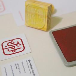 Papelería y sellos para identidad de marca