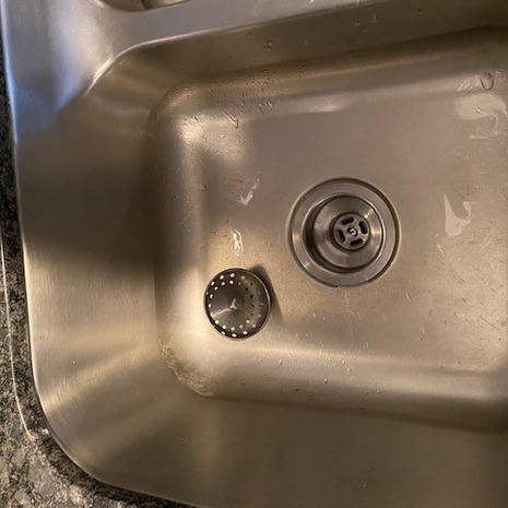 Kithchen Sink Drain left side