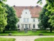 Vorderansicht Haupthaus copy.jpg
