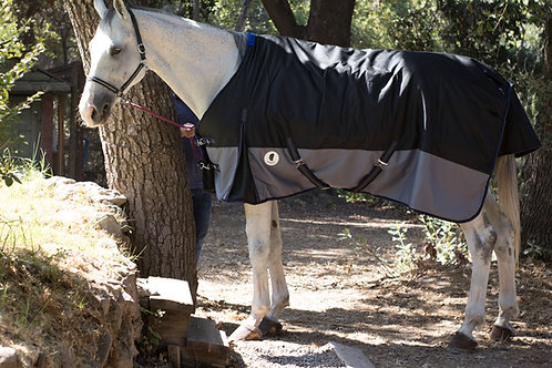 Capa para caballo invierno Negro Gris Premium
