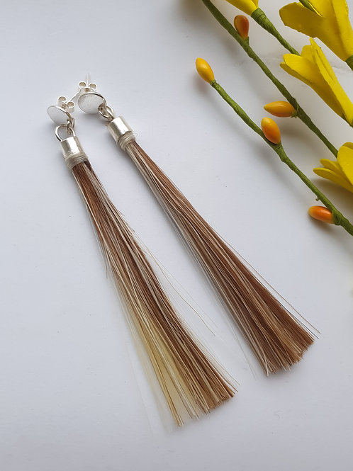 Aros de plata de 950, pin con tornillo y borla de Crin