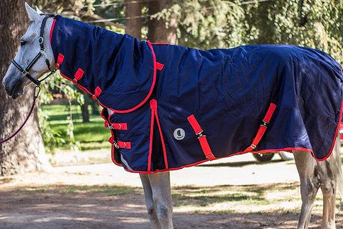 Capa para caballo invierno diseño Deluxe cuello desmontable.