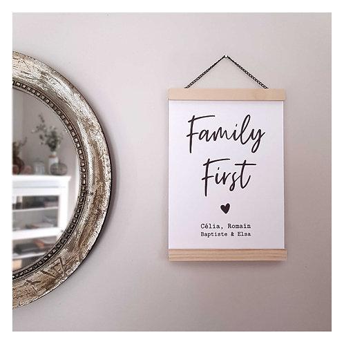 Affiche personnalisée Family First + Porte-affiche magnétique