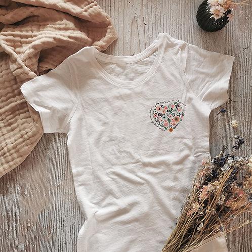 T-shirt personnalisé coeur en fleur fête des grands-mères mamie