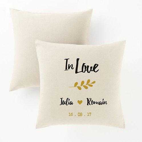 Coussin personnalisé In Love, prénom et date