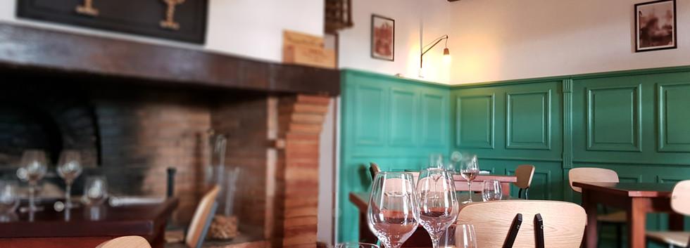 """Salle """"Autour du vin"""""""