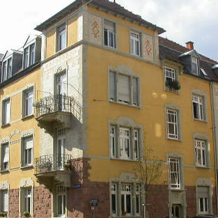 Mehrfamilienhaus (Denkmalschutz)
