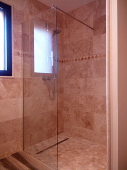 salle de bain pierre naturelle