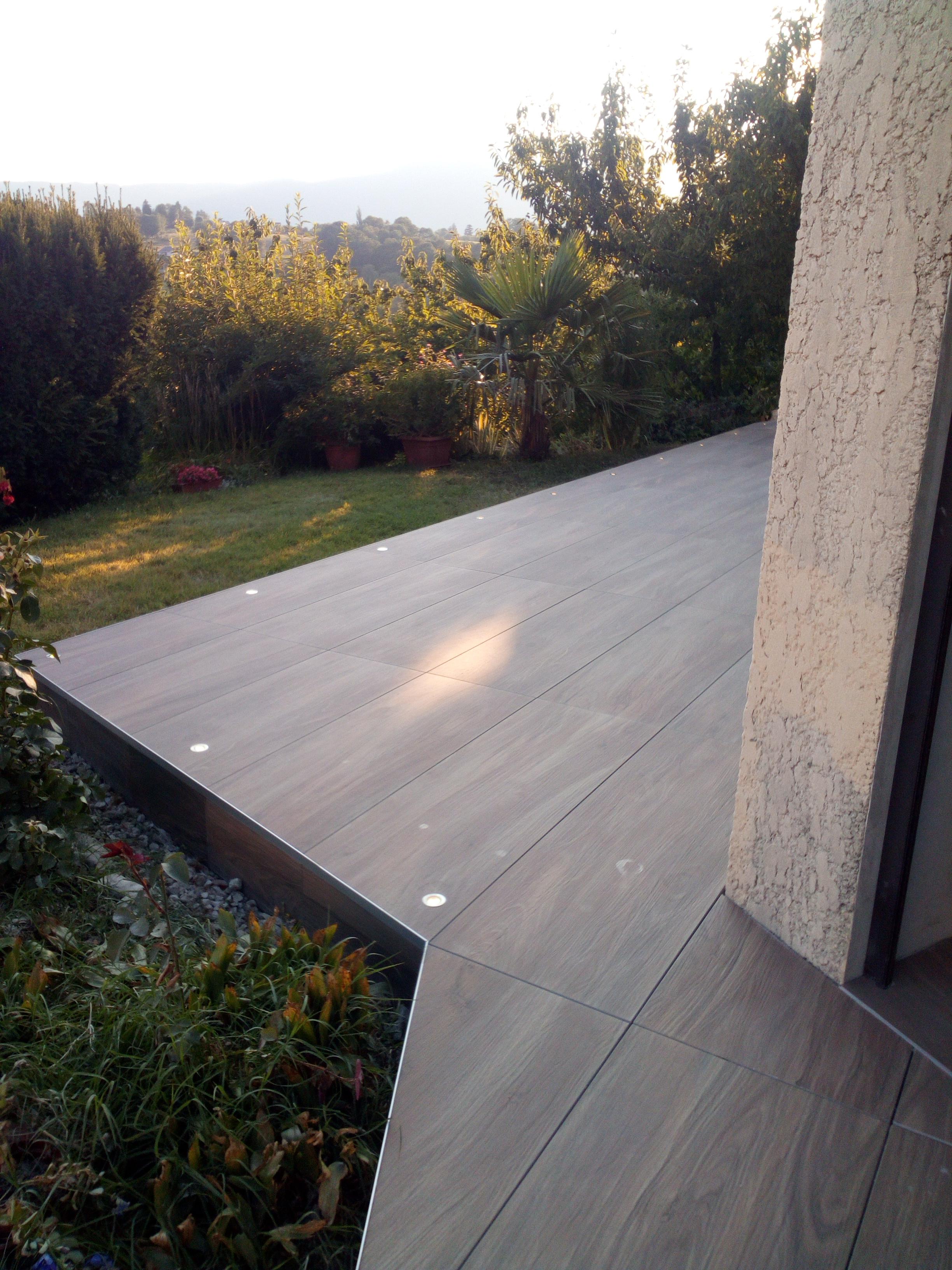 terrasse carrelage spots intégrés