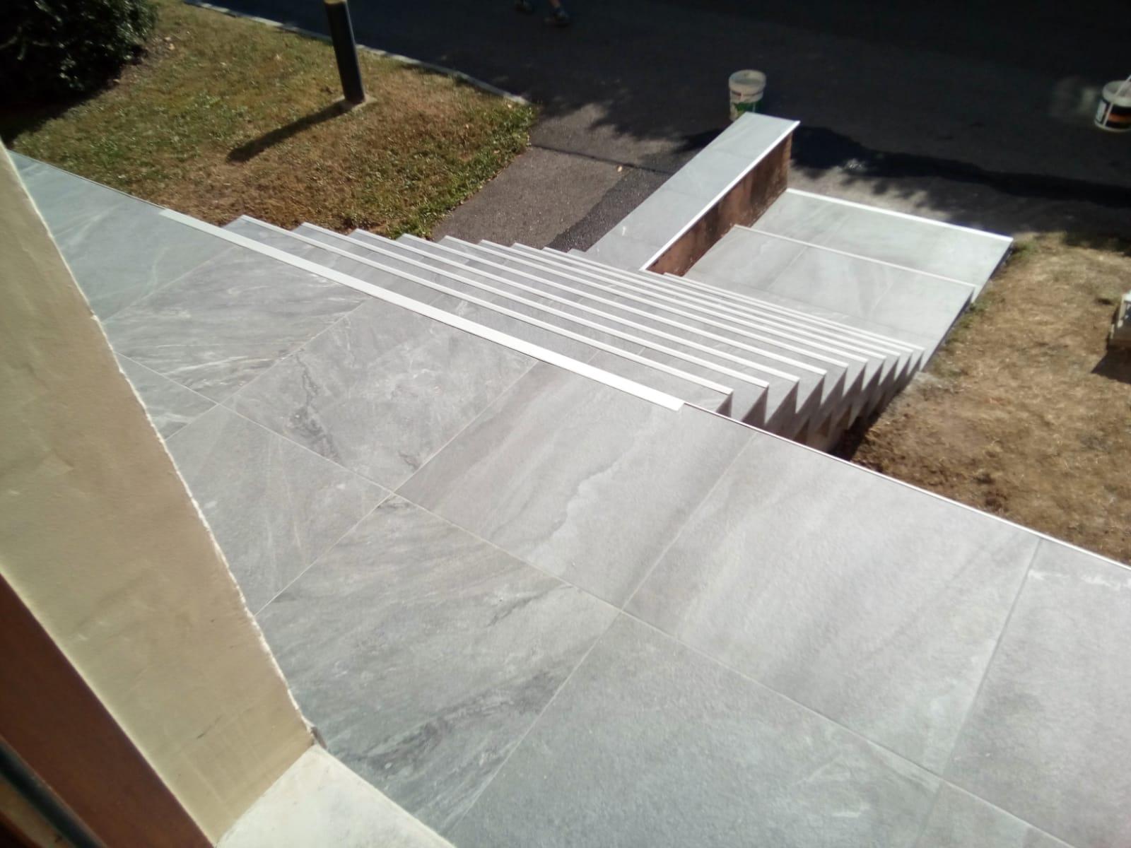 escalier copropriété carrelage