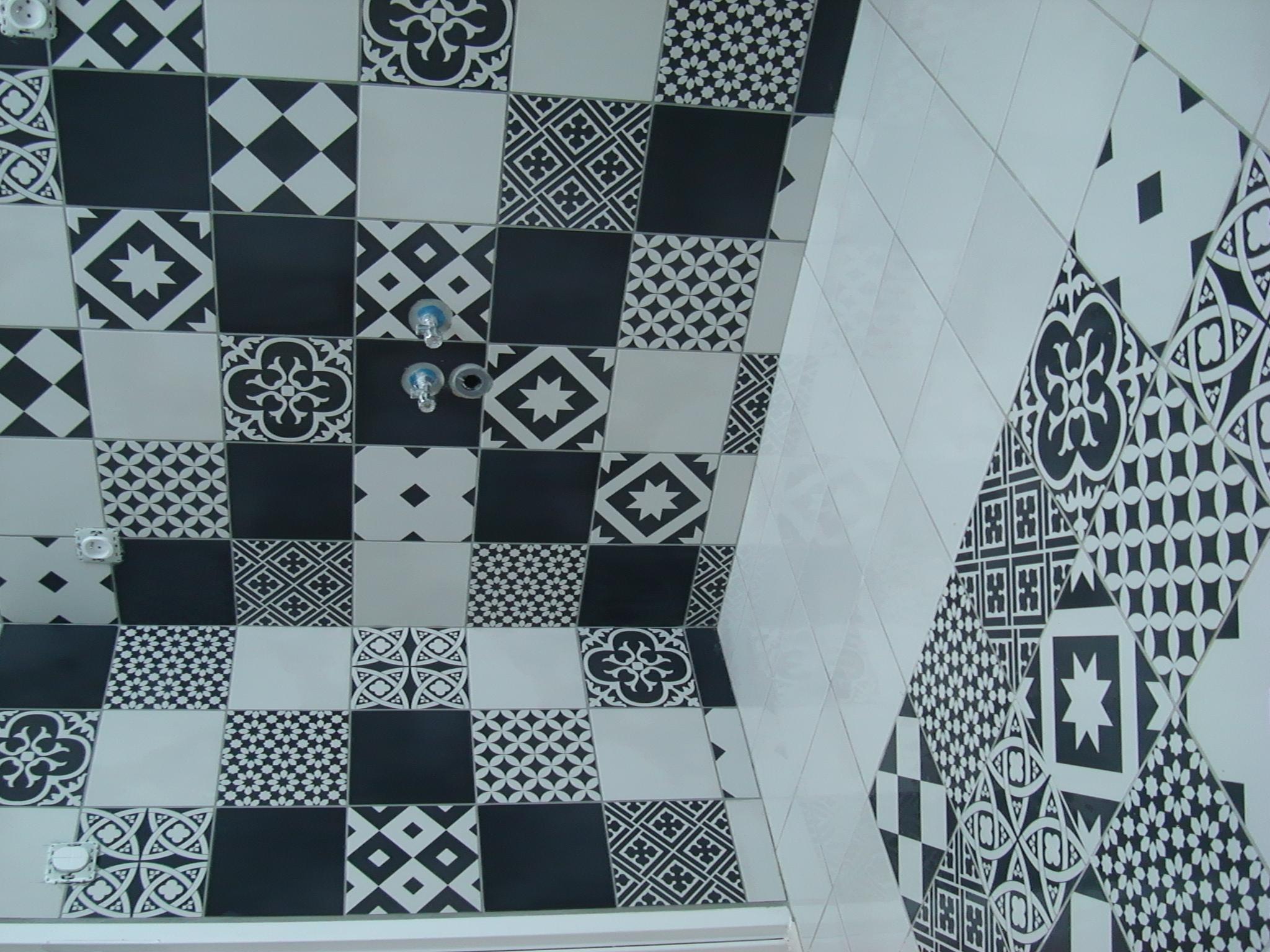 Salle d'eau carreaux ciment