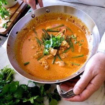 nov-08_thai-red-chicken-curry_b_330x330.jpg