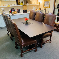 Gorgeous Table & Chairs