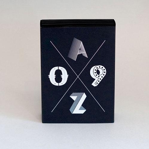 BOOM – Postkartenset A–Z/0–9  |  Special Edition schwarz