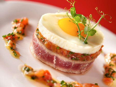 Recette 8# : L'œuf à cheval sur un tournedos de thon, tomates confites