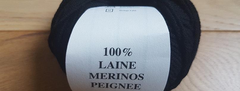 Pelote noire 100% Mérinos peigné Aig 3.5/4