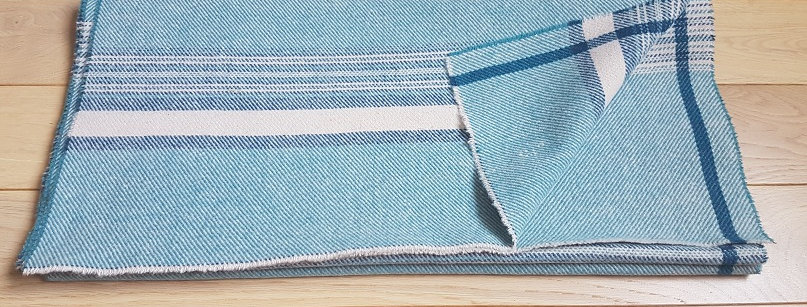 Grande écharpe bleue