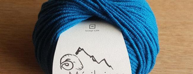 Pelote bleu canard 100% Mérinos peigné Aig 3.5/4