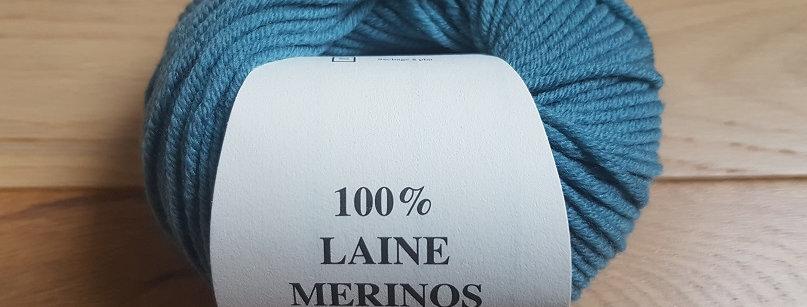 Pelote bleu 100% Mérinos peigné Aig 3.5/4
