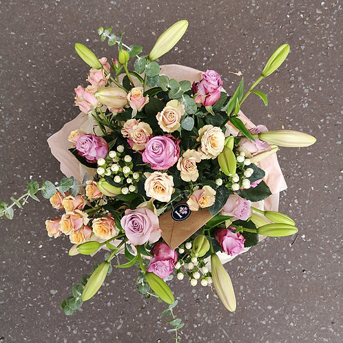 Vintage Roses, Lilies and Pearls