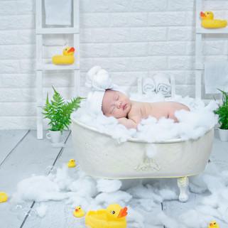 newborn bath tub props.jpg