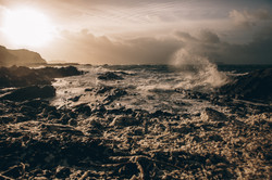 Seil island Waves