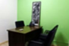 Sala ideal para consultas deengenheiros, arquitetos, advogados e demais profissionais liberais.
