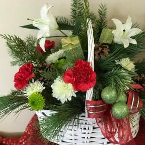 Christmas Basket 16 $75.00 & Up