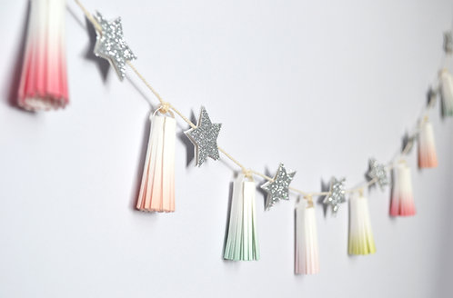 Tassel and star paper craft kit