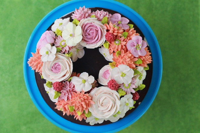 Buttercream Flowers Cake by fair cake