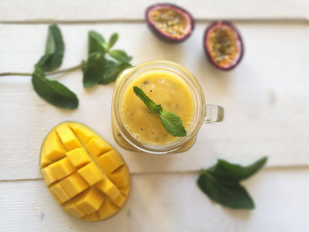 Mango-passievrucht smoothie