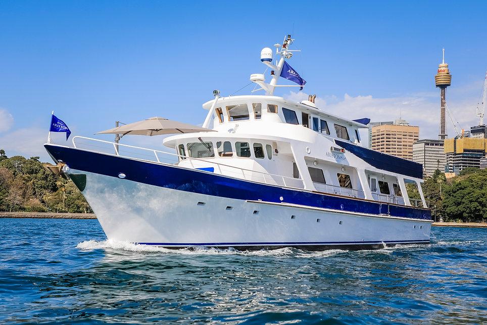 Motor_Yacht_Charters_Sydney_©_Salty_Din