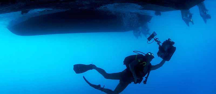 Underwater-Photographer.jpg