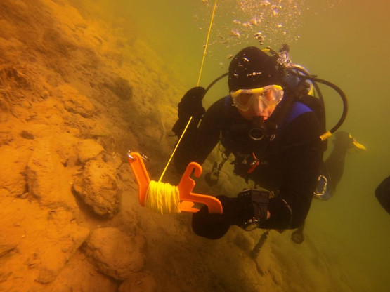 scuba diver in low visibility water.jpg