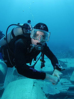 scuba diver doing search and recovery -