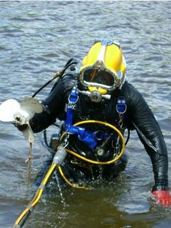 Scuba diver with prop..jpg