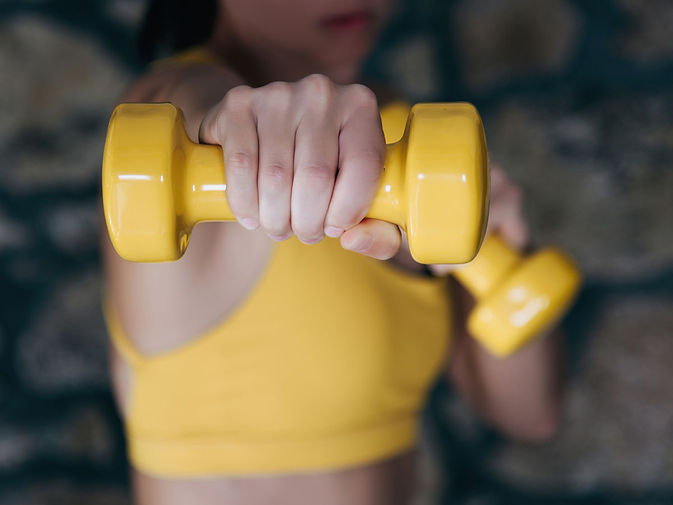 yellow-dumbbells-movement_opt.jpg