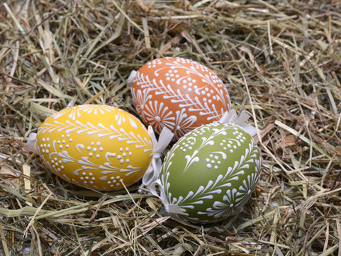 Easter Traditions on Both Sides of the Atlantic / Geographies of Tradition