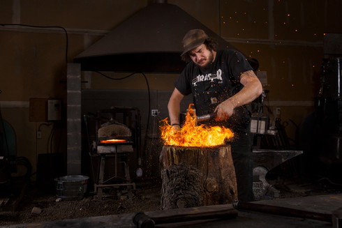20161116 Riley Sykes blacksmith LIAMGLAS