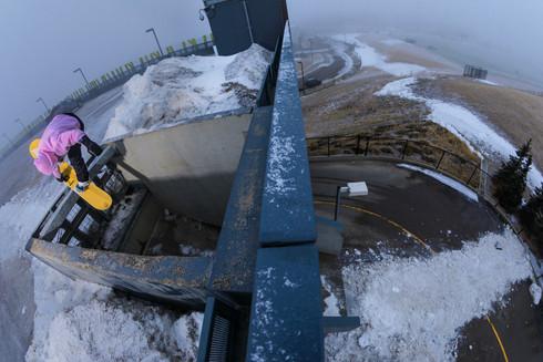 20200330 Manu Calvo pull in 69street station snow chute Calgary LIAMGLASS 022-Edit_P3.jpg