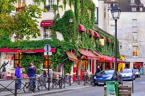 rue-marais-paris-france.jpg