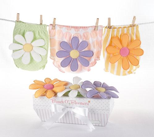 """""""Bunch O'Bloomers"""" 3'lü Çiçekli Şort Hediye Seti (0-6 ay)"""