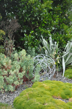 Wire sphere designed by Mosaicdesign