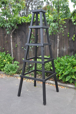 TImber obelisk by Mosaicdesign