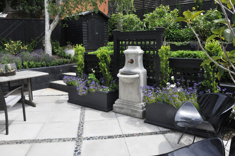 Patio design by MosaicDesign