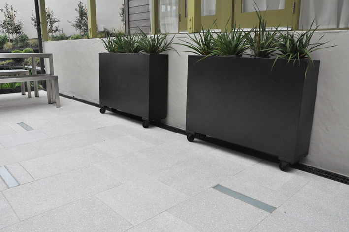 Planters designed by Mosaicdes