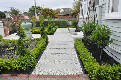 Front garden pathway design