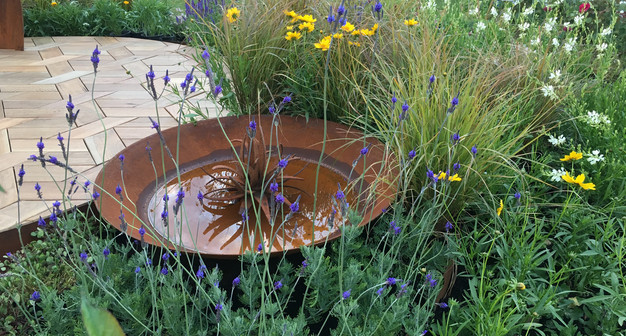 Showgarden designed by Mosaicdesign and tidygardens