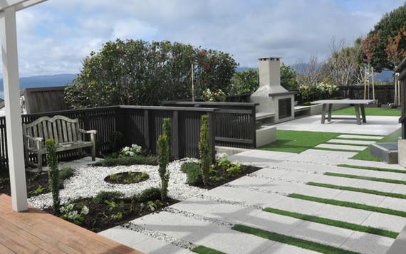 Patio design by Mosaic Design