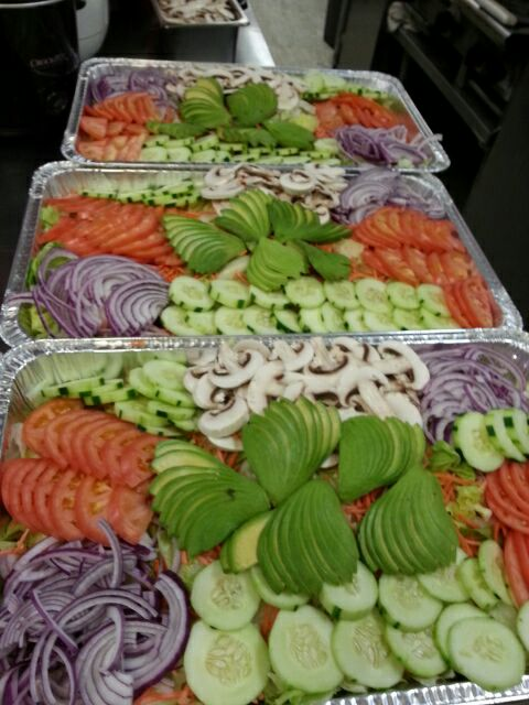 SALAD TRAYS